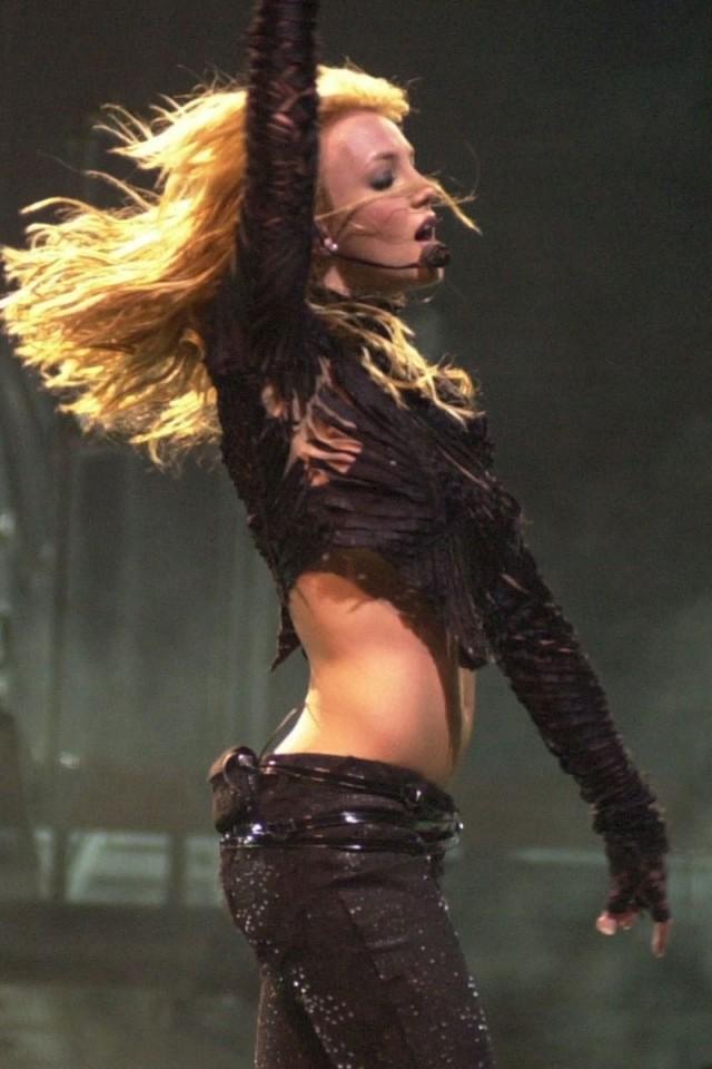Britney Spears In Tight Jeans Hd Wallpaper Iphone 4 4s Ipod Hd Wallpaper Wallpapers Net