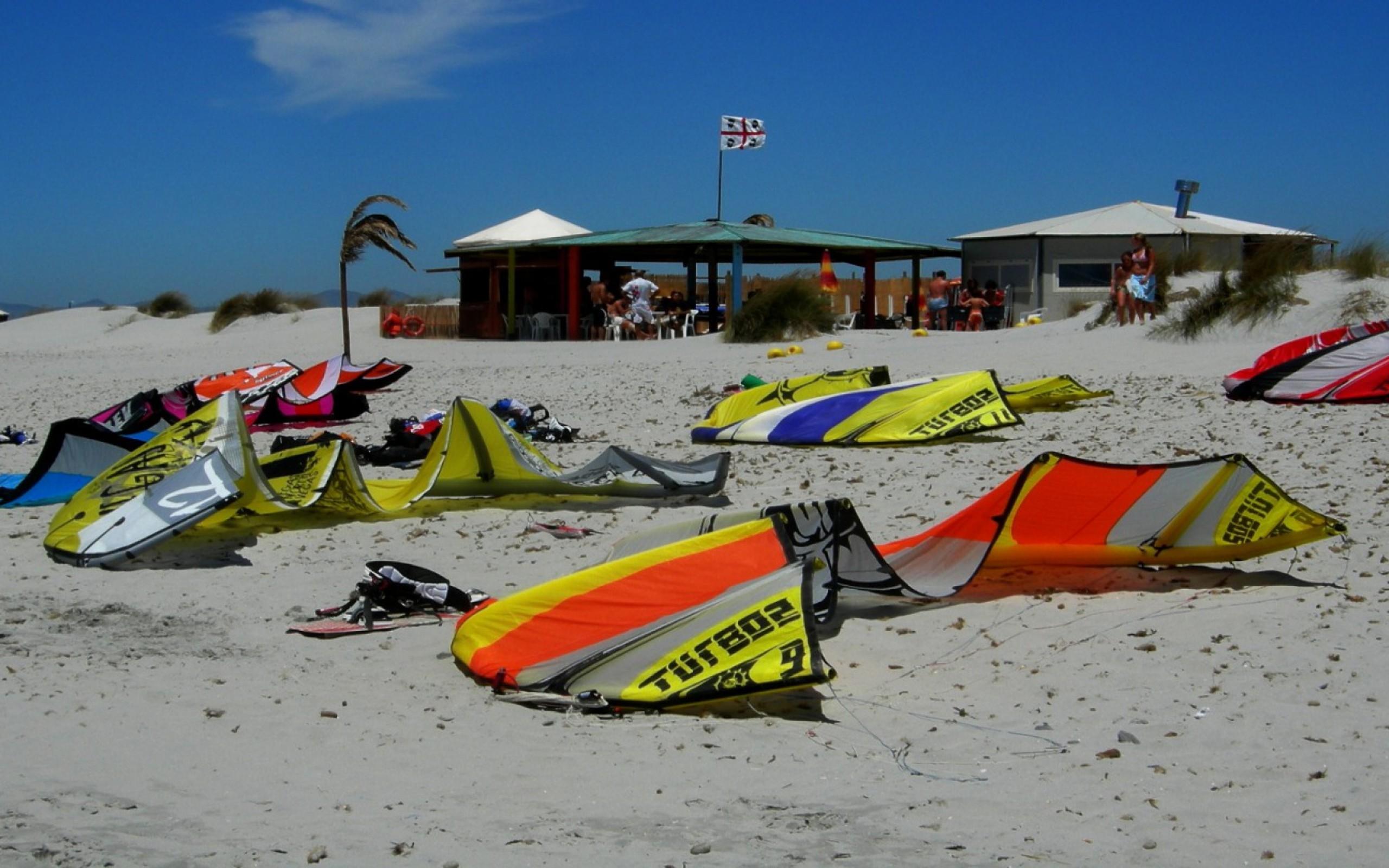 Sardinia Kites On Beach Hd Wallpaper 13 Retina Macbook Pro