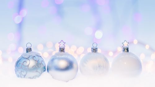 4 Crystal Bauble HD Wallpaper