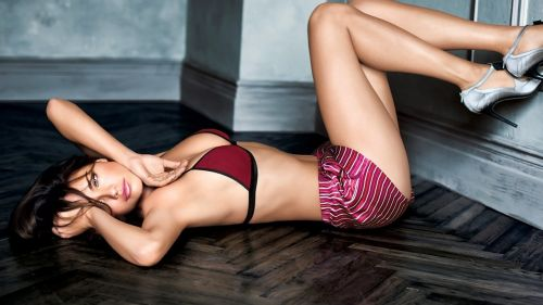Adriana Lima in underwear HD Wallpaper