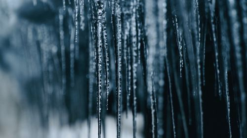 Amazing icicles HD Wallpaper