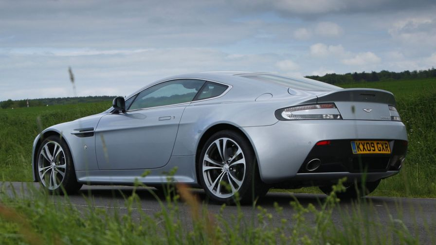 Aston Martin V12 Vantage S HD Wallpaper
