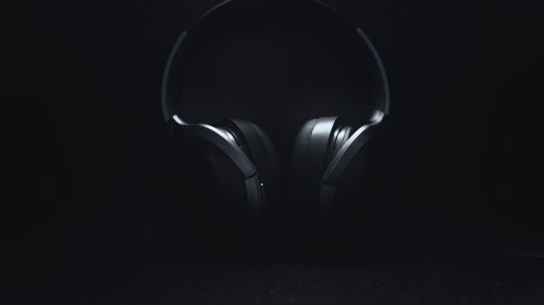 Black headphones HD Wallpaper