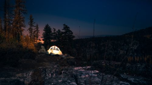 Camping tent at night HD Wallpaper
