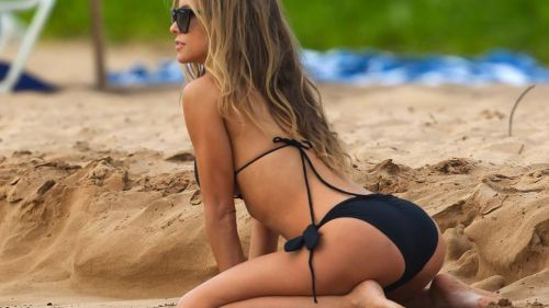 Carmen Electra Hot HD Wallpaper