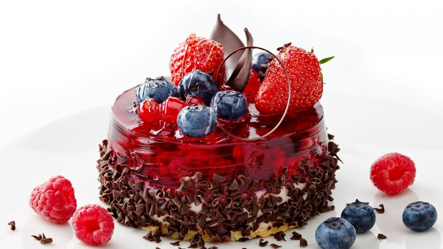 Chocolate cake with strawberries HD Wallpaper