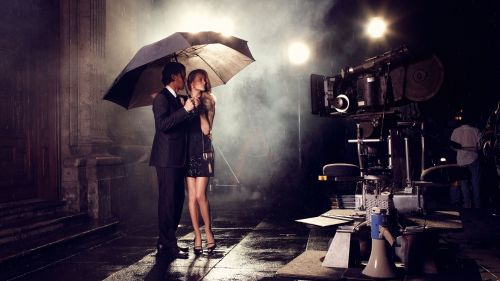 Couple in the rain HD Wallpaper