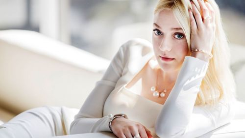 Dakota Fanning HD Wallpaper