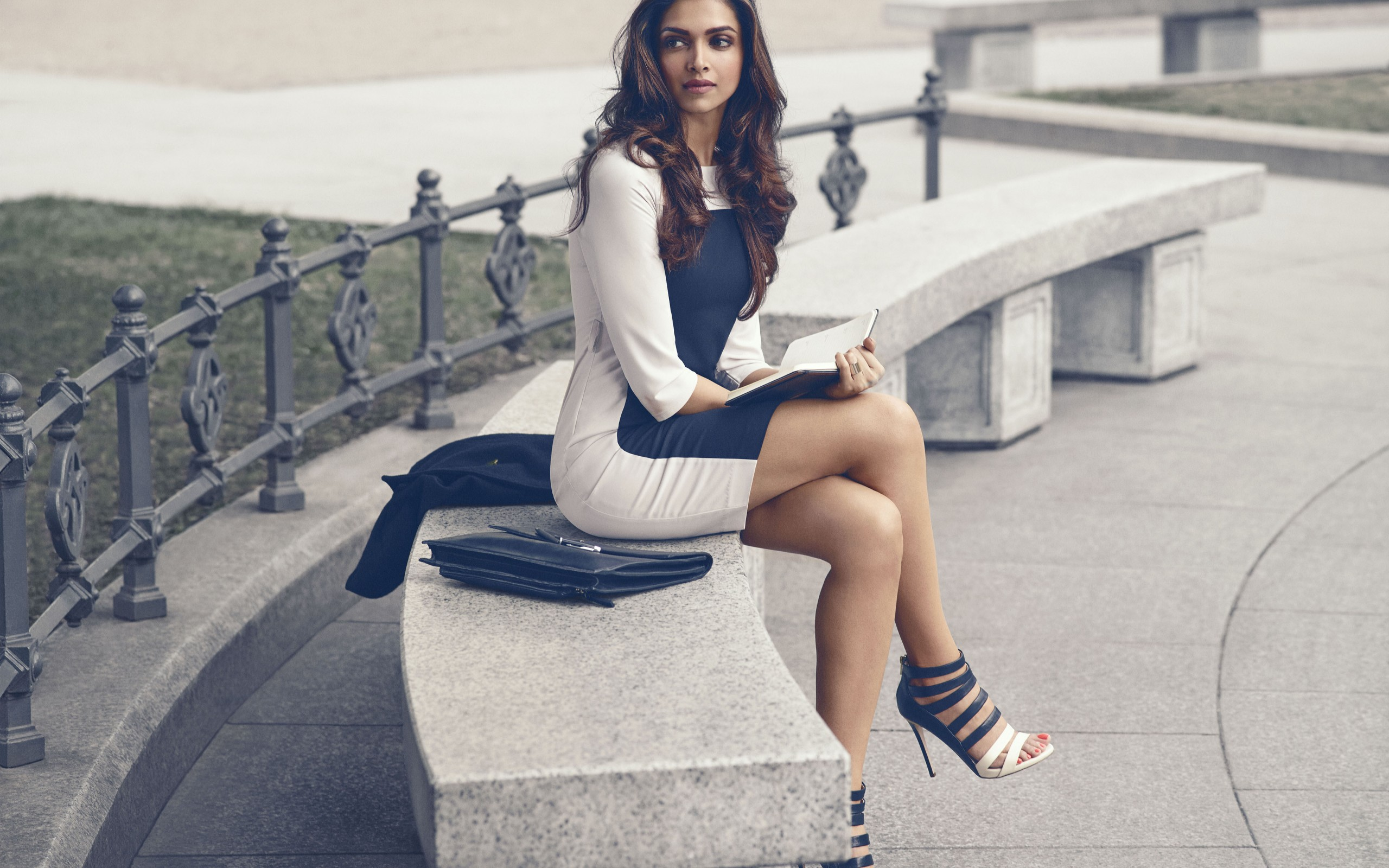 Deepika Padukone sexy HD Wallpaper
