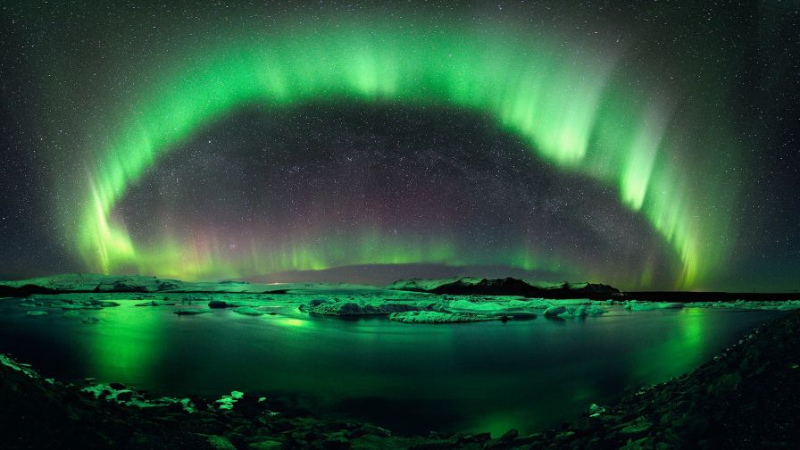 Free Download Green Aurora Borealis Wallpaper for Desktop and Mobiles