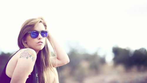 Girl Beauty With Sunglasses HD Wallpaper