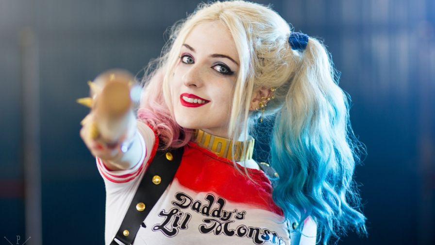Harley Quinn Hd Wallpaper Wallpapersnet