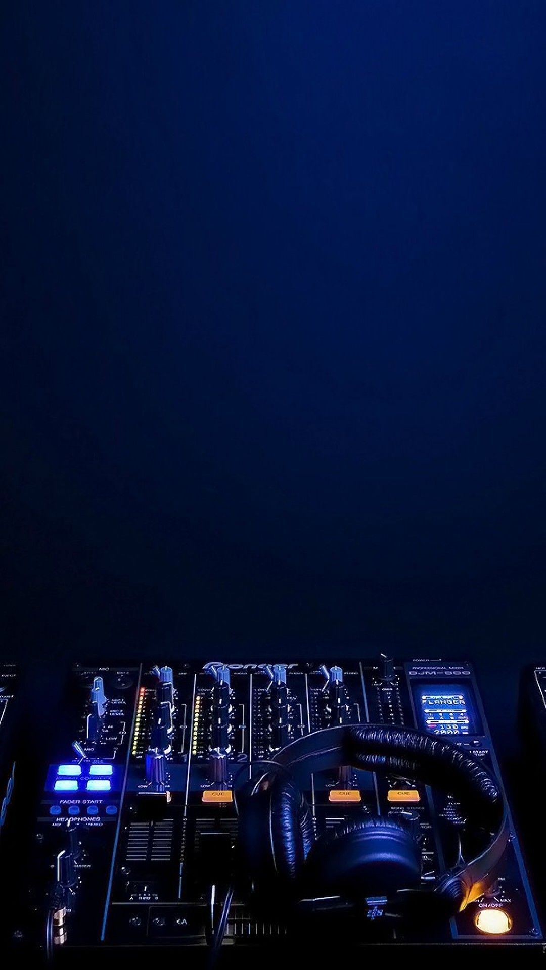 House music DJ decks HD Wallpaper