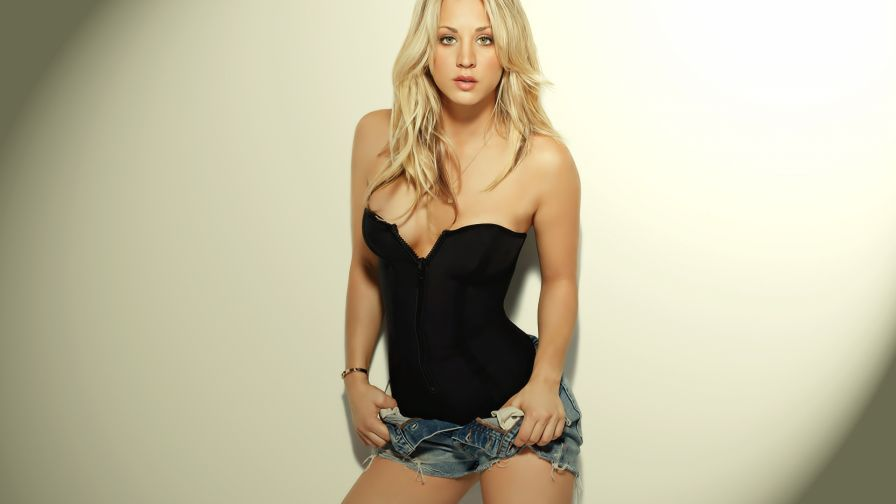 Kaley Cuoco Hd Wallpaper for Desktop and Mobiles