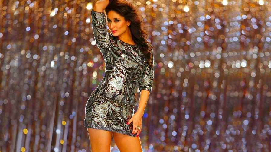Kareena Kapoor upskirt HD Wallpaper