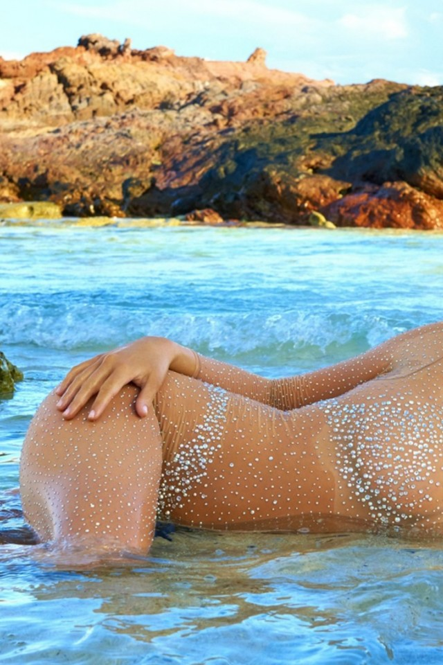 Kate Upton Swimsuit HD Wallpaper