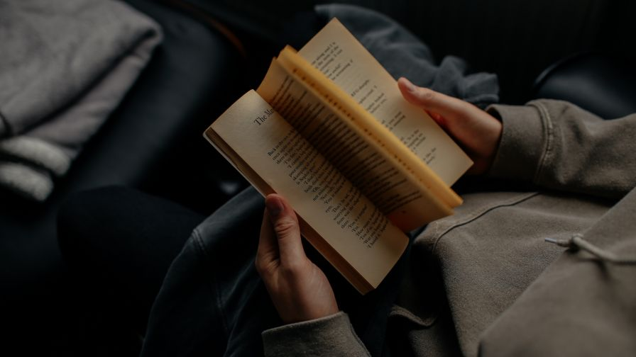 Man Reading A Book Hd Wallpaper Wallpapers Net