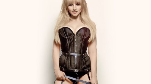Melissa Rauch Hot HD Wallpaper