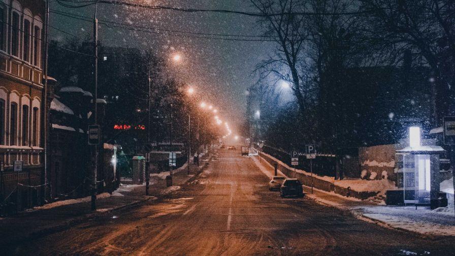 Snowfall At Night Hd Wallpaper Wallpapersnet