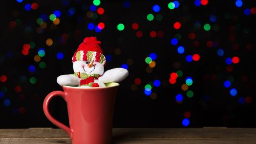 Snowman In Red Ceramic Mug HD Wallpaper