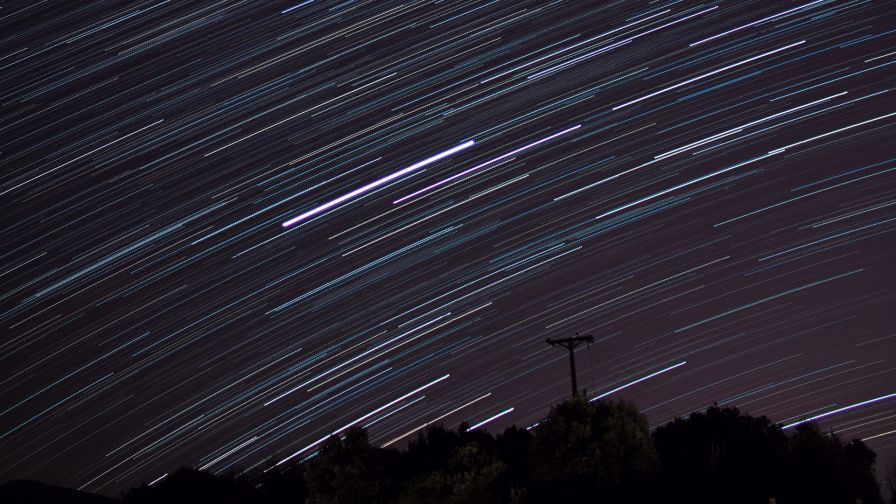 Star trails over the night HD Wallpaper
