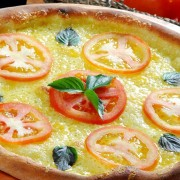 Vegetable pizza HD Wallpaper