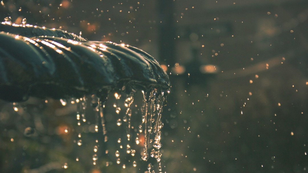 Water fountain drops  HD Wallpaper