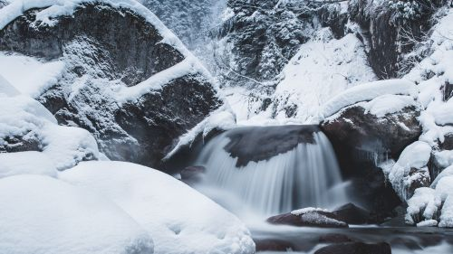 Waterfall covered in snow HD Wallpaper