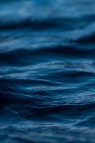 Wave ripples in blue water HD Wallpaper