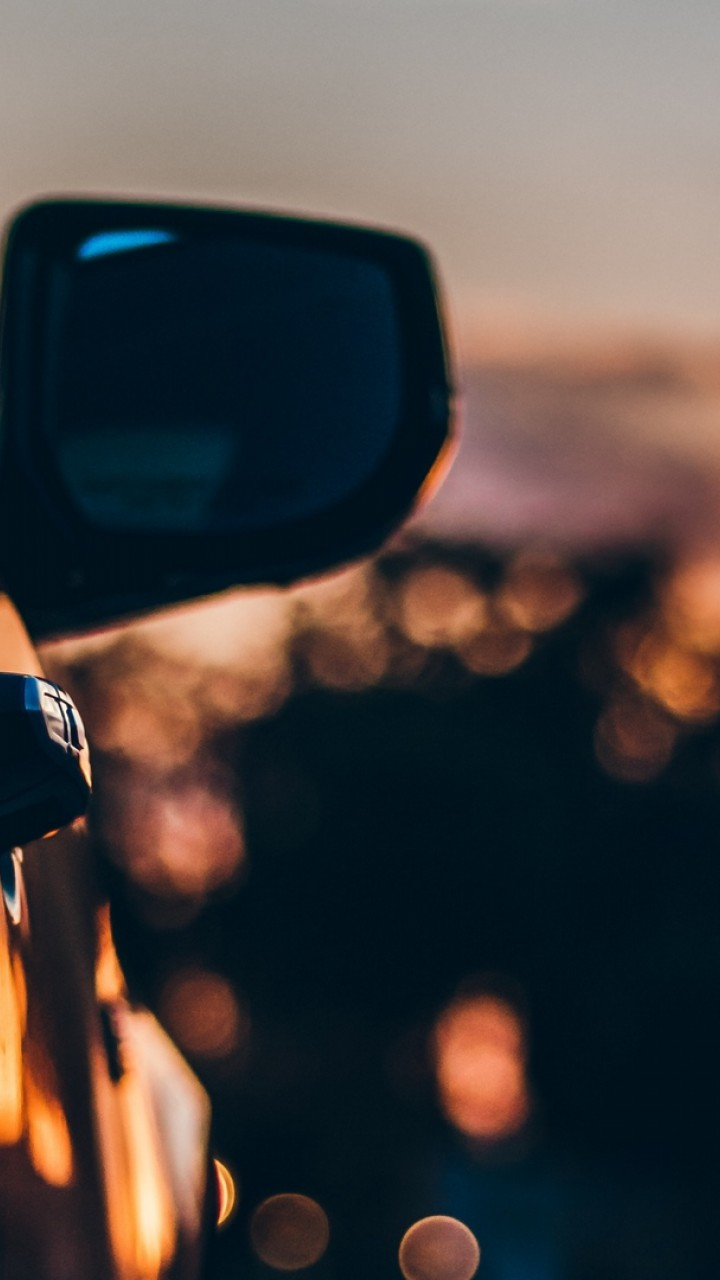Blurry car mirror HD Wallpaper