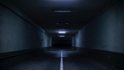 Dark underground tunnel HD Wallpaper