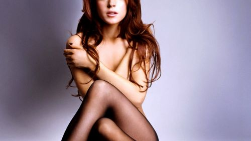 Lindsay Lohan naked HD Wallpaper