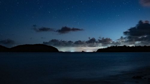 Starry sky over the island HD Wallpaper
